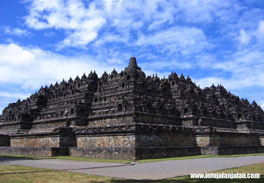 destinasi-wisata-jawa-tengah-candi-Borobudur