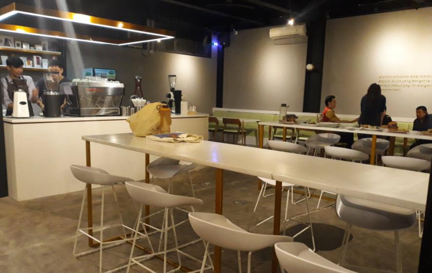 Cafe-Terbaru-di-Bandung-Arunika