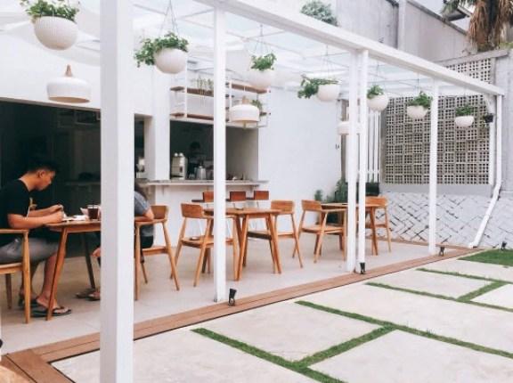 Cafe-yang-bagus-di-Bandung-Pipe-Dream