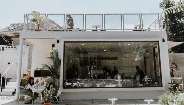 cafe-outdoor-di-Bandung-DE.U-Coffee