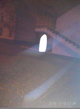 В Харькове на лестнице школы повесился парень