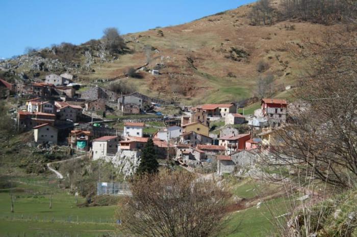 Cantabria mantiene 16 municipios con menos de 500 habitantes