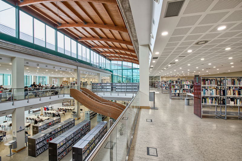 La Biblioteca Central de Cantabria acoge esta semana actividades culturales sobre la literatura y el teatro