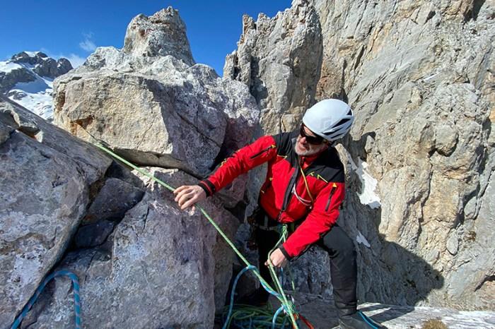 Los Picos de Europa acogen el curso avanzado de rescate en montaña para los servicios de emergencia de Cantabria