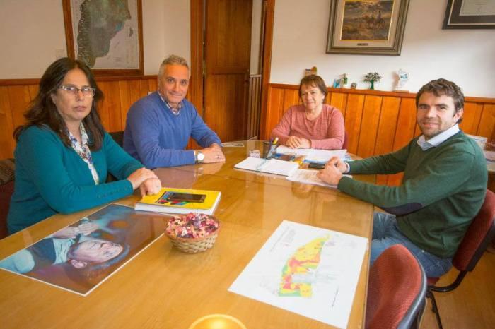 La intendente Brunilda Rebolledo, nombró al secretario de Planificación y Desarrollo Sustentable