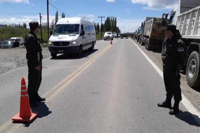 Camioneros cortan parcialmente la Ruta Nac. 40 en Junín