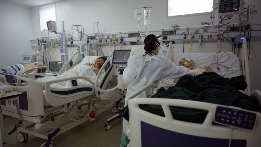 El coronavirus no da tregua: 438 personas murieron en las últimas 24 horas