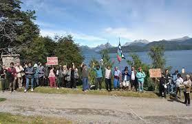 Rechazan intimación judicial para que mapuches desalojen las tierras Puerto Elma en el sur de la provincia