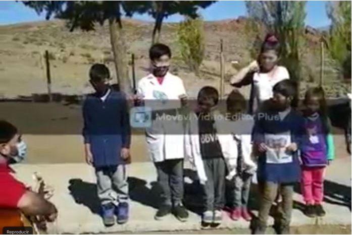 Docente utilizó niños para apoyar reclamo piquetero