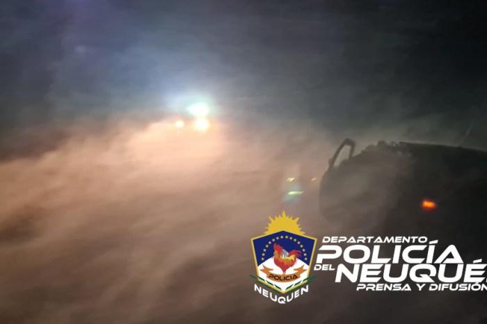 Personal Policial de la Cría. N° 47, rescataron a una familia que se encontraba varada por el temporal
