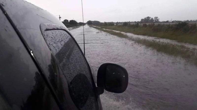 Temporal en la región: evacuados y caminos anegados