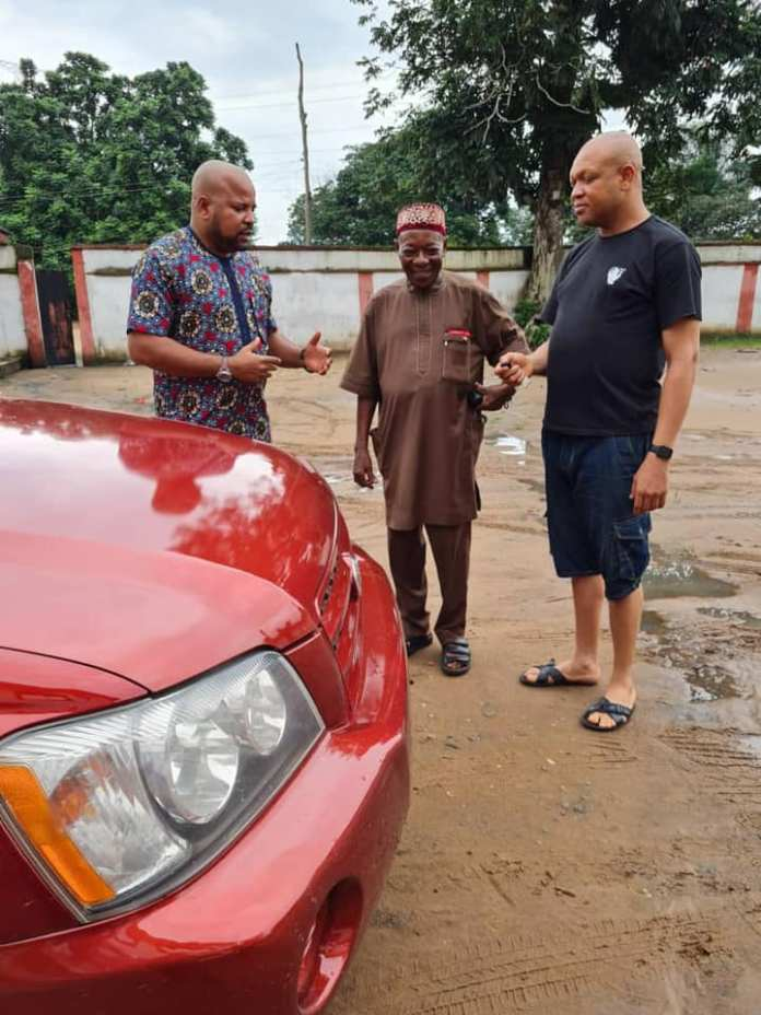 Abia House of Rep Lawmaker Gifts Car To Traditional Ruler