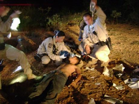 Continúa a la alza el rescate de cuerpos sin vida de migrantes en el Desierto de Sonora.