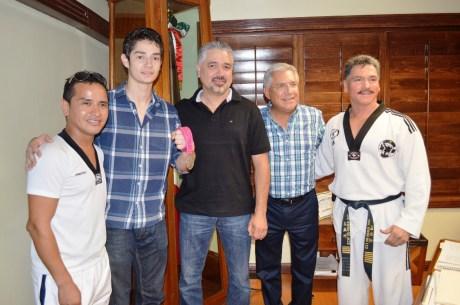 Recibe RGM a René Lizárraga medallista de plata en Mundial de Tae Kwon Do (2)