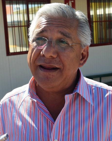 El alcalde Ramón Guzmán, de Nogales.