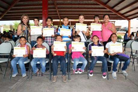 """Culminan cursos de """"Campamento de Verano 2013""""."""