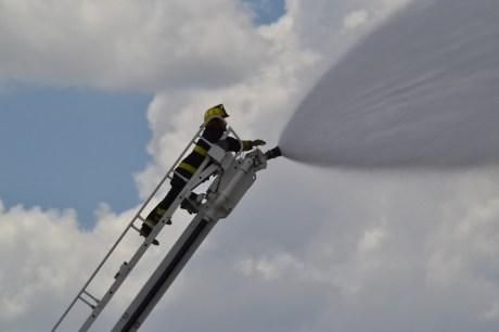 También participó activamente los bomberos de Nogales.