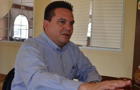 El legislador federal Enrique Reyna Lizárraga.