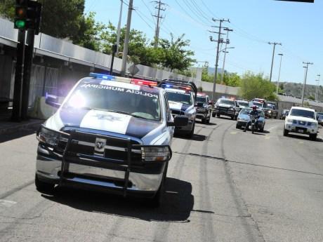 El convoy de unidades policiacas patrulló las calles y colonias de esta frontera.