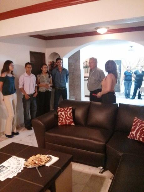 Entrega Alcalde Casa del Estudiante Nogalense en Hermosillo.