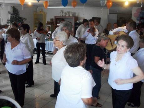 Festeja Ayuntamiento en su Día a los abuelos del asilo de ancianos.