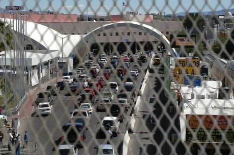 La garita Dennis DeConcini, una de las mas transitadas de la frontera entre Sonora y Arizona.