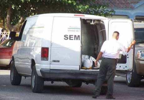 Servicios Periciales levantó el cuerpo del sujeto muerto a balazos.