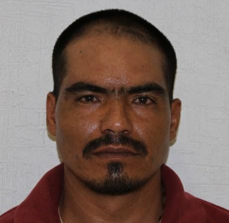 Victor  Efrain Gomez Rios, detenido en posesión de cristal.