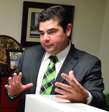 El legislador por Nogales, Alejandro García Rosas.