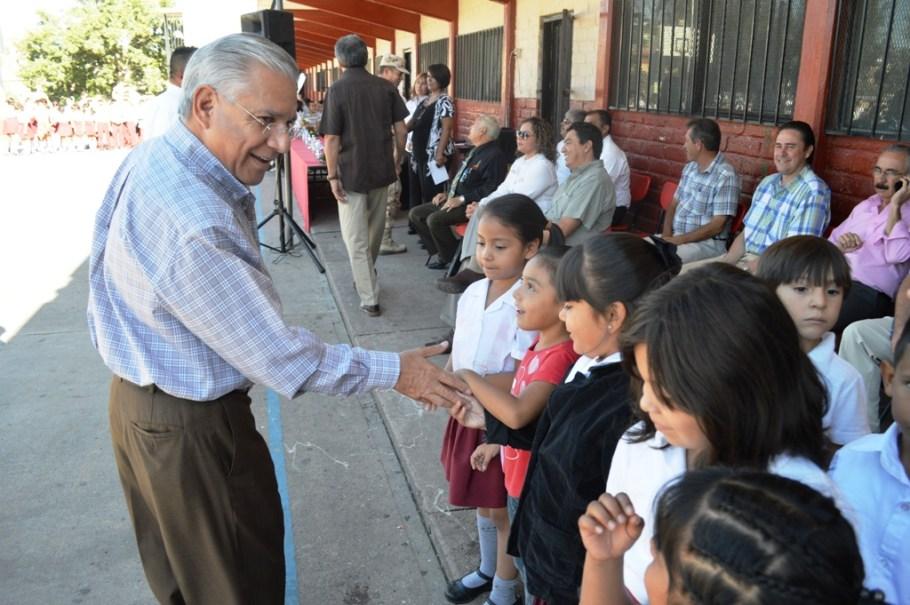 Se compromete RGM en solución de problemas urgentes en primaria Miguel Hidalgo.