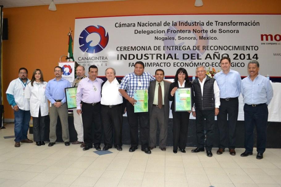 Participa Alcalde en entrega de reconocimiento al Industrial del Año 2014.