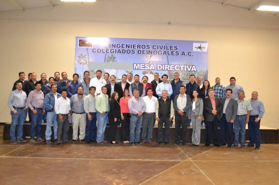 Reconocen ingenieros civiles trabajo del Alcalde por pavimentación de la Obregón.