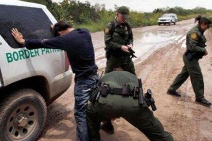 Ataca migrante mexicano a oficial de la Patrulla Fronteriza mientras intentaba someterlo