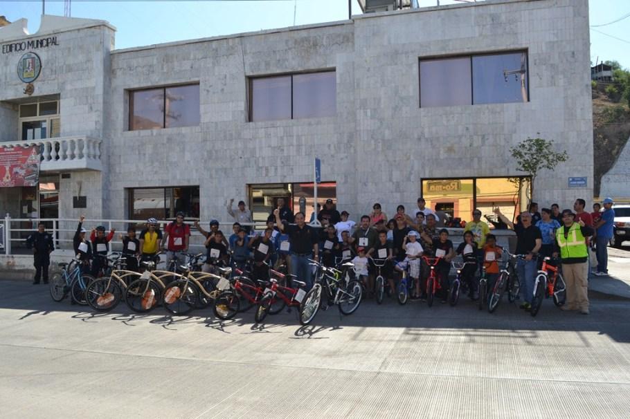 Realizan Primera Carrera Ciclista Amateur por la avenida Obregón.