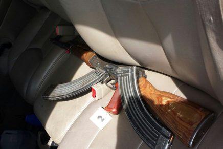 """Aseguran vehículo, arma larga y cartuchos, entre el boulevard Los Álamos y avenida """"Jesús García"""""""