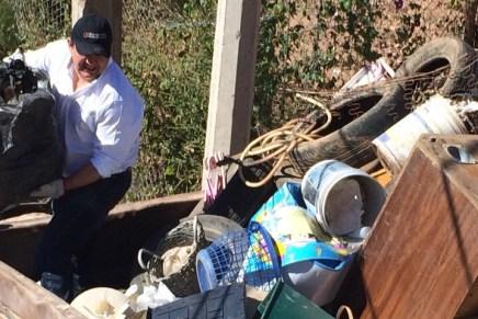"""""""A limpiar Nogales con los nogalenses"""": Humberto Robles Pompa"""
