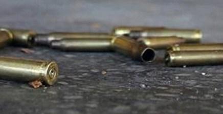 Reportan a vecino de El Rastro por «echar bala» en plena vía pública