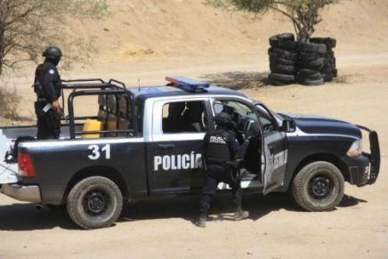 Atraca grupo fuertemente armado convoy minero en los alrededores de Caborca