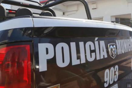 Detienen policías municipales a delincuente, durante atraco en El Represo