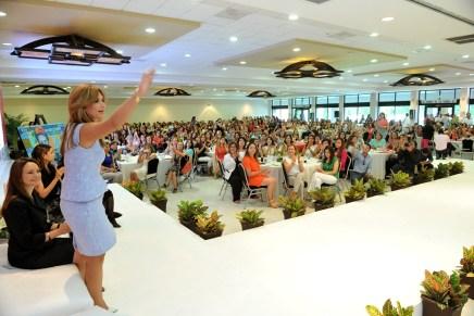 Encabezan la Gobernadora Pavlovich y la Tesorera de Estados Unidos encuentro de mujeres líderes