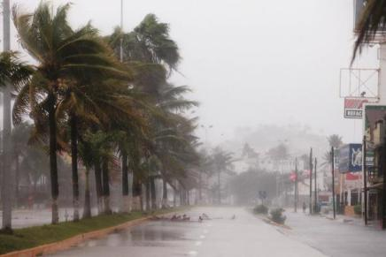 Emiten Alerta Azul en Sonora por huracán «Olaf»