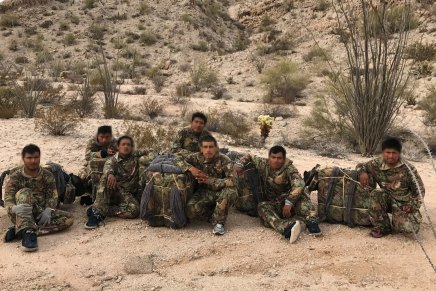 """Capturan a 7 migrantes utilizados como """"burreros"""" cerca de Yuma"""