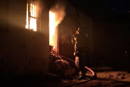 Deja incendio en Canoas a 6 intoxicados, se les cayó una veladora