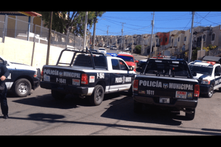 Detienen a conductor de pick up tras persecución por la colonia San Miguel