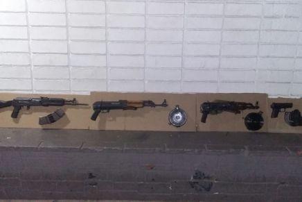 Aseguran PESP y SEDENA armas y cartuchos en la Buenos Aires