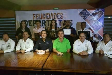 Reconocen a deportistas y entrenadores de Nogales