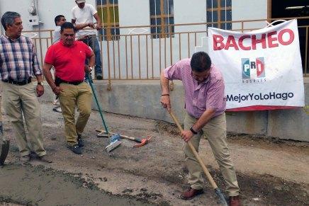 Realiza el PRI Nogales acciones de bacheo en calle de la colonia Héroes