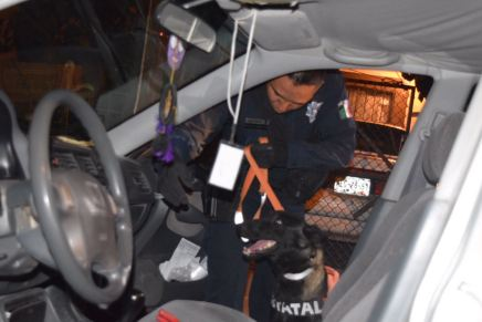 Detienen a dos con autos sin documentos, por Lomas de Fátima
