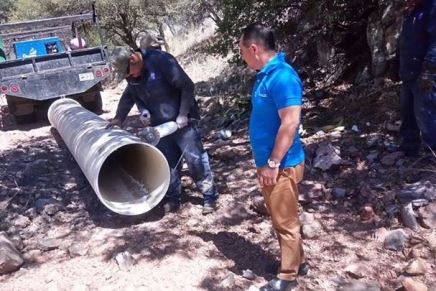 Repara el Oomapas línea de agua potable