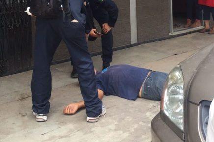 Se arroja sujeto del tercer piso de un hotel en el centro de Nogales